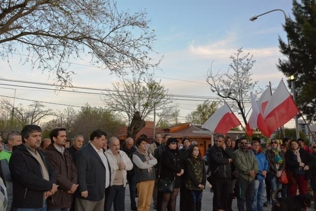 Acto de repudio contra los daños producidos en el monumento a Ricardo Balbín 3