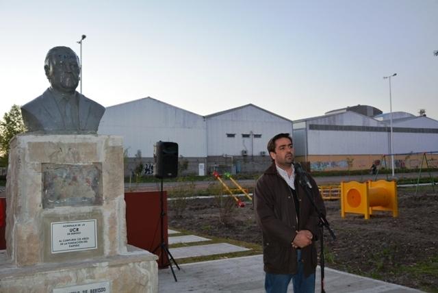 Acto de repudio contra los daños producidos en el monumento a Ricardo Balbín 5