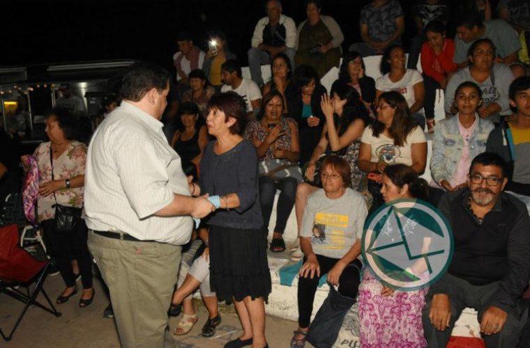 El intendente de Berisso recorrió el festival Los Siete Domingos de Folclore4