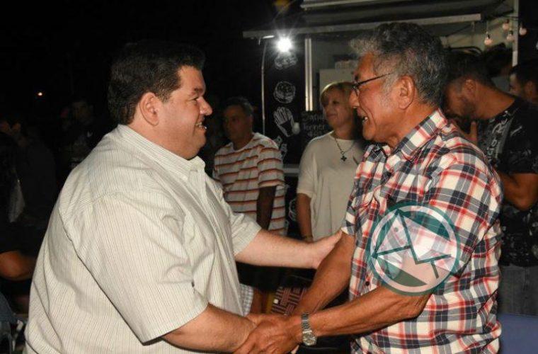 El intendente de Berisso recorrió el festival Los Siete Domingos de Folclore5