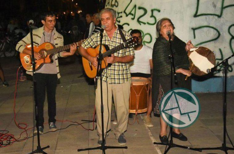El intendente de Berisso recorrió el festival Los Siete Domingos de Folclore6