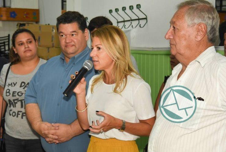 Nedela y PAMI entregaron un subsidio a Centro de Jubilados y Pensionados de Berisso 3