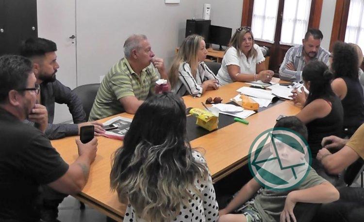 La cartera de Sánchez Zinny dejó sin trabajo a una docente de la Isla Santiago2