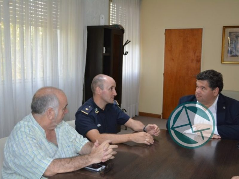 Nedela recibió al designado jefe de la Policía Local3
