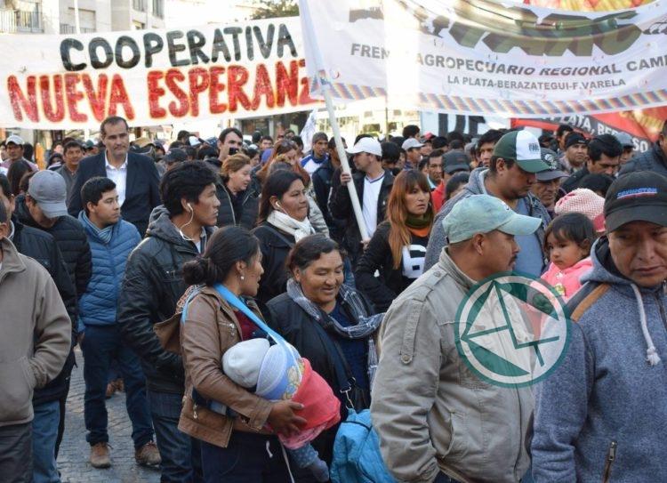 Escudero acompañó el reclamo de los productores de la agricultura familiar 2
