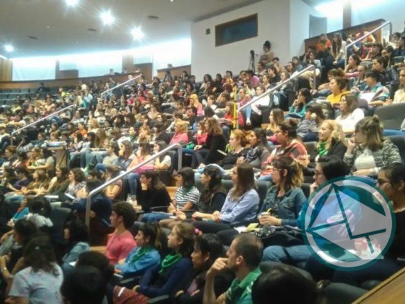 debate del aborto en la Facultad de Medicina 1