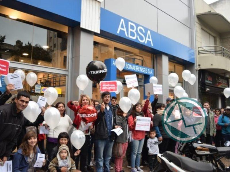 protesta contra el tarifazo en Camuzzi, ABSA y EDELAP 02