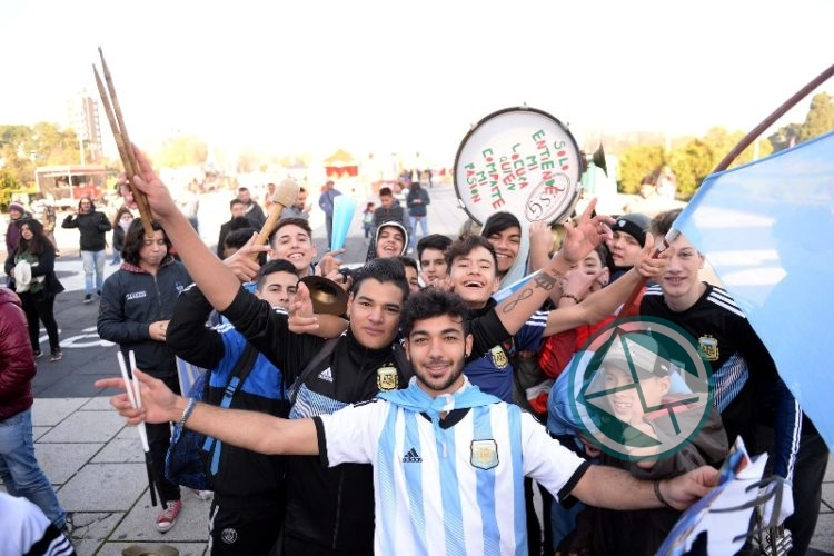 Fan Fest Plaza Moreno ARG-ISL2