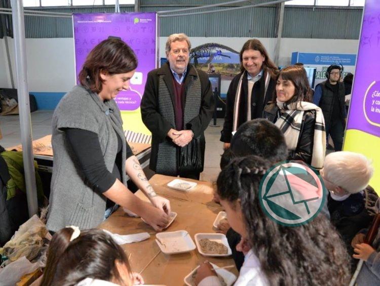 Feria científica y tecnológica en Berazategui
