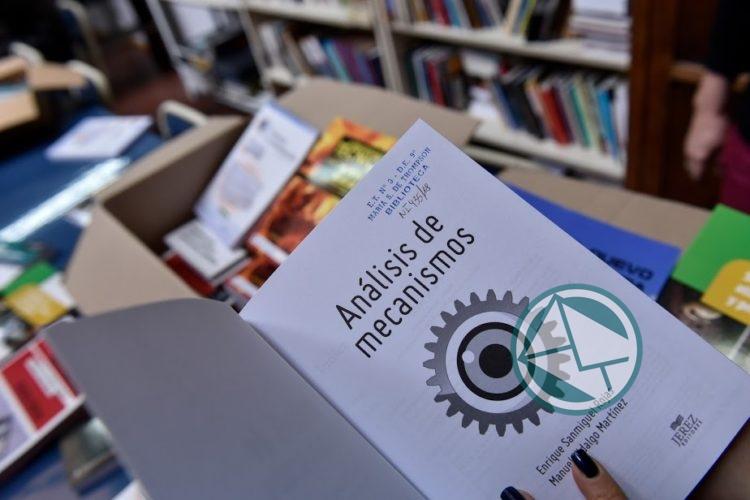 Bibliotecas especializadas a todas las escuelas técnicas del país 3