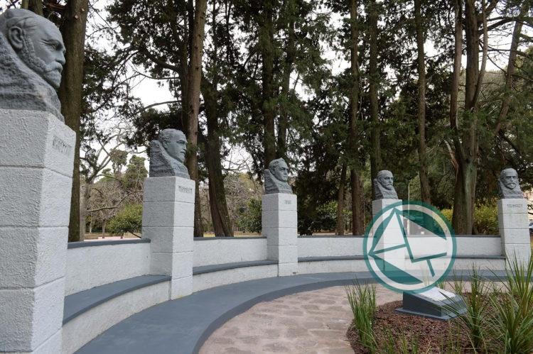 os Cinco sabios Platenses Paseo del Bosque 3