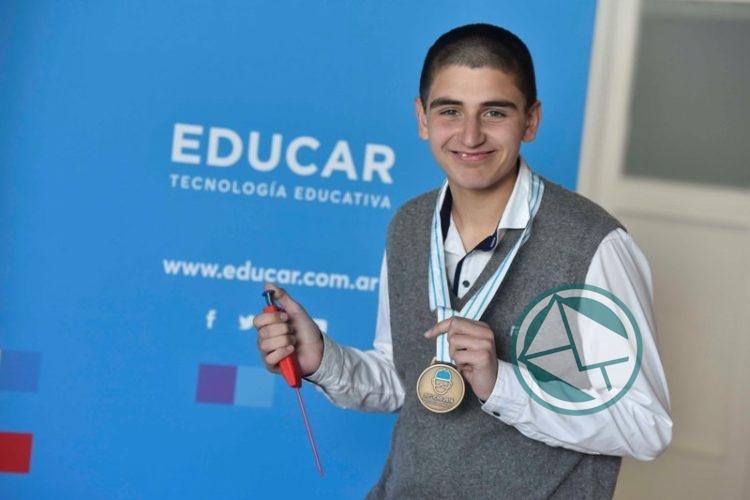 Estudiantes ganaron las olimpíadas internacionales de Biología, Química y Física 3