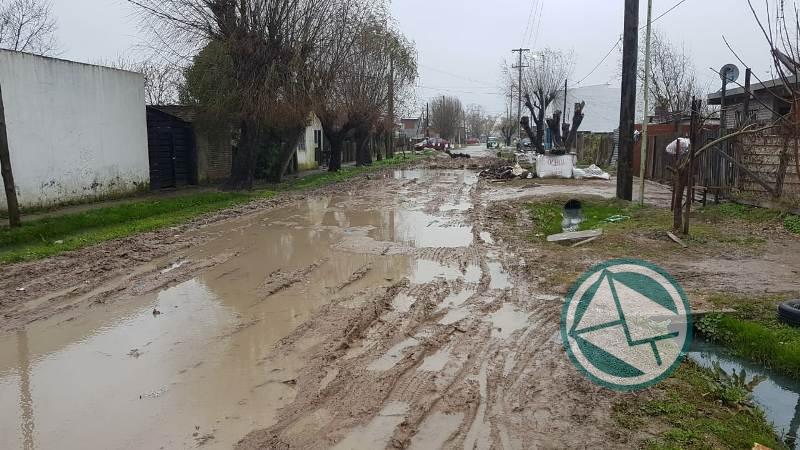 Los de Identidad Berissense pasearon por los barrios para ver las falencias de servicios municipales 04