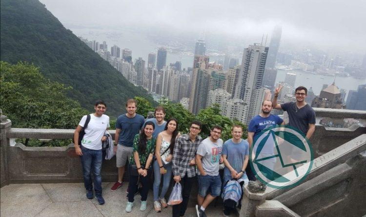 Visita de estudiantes a Hong Kong, en la etapa de despedida