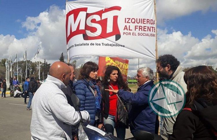 Ripoll y Cele Fierro del MST con trabajadores ARS1
