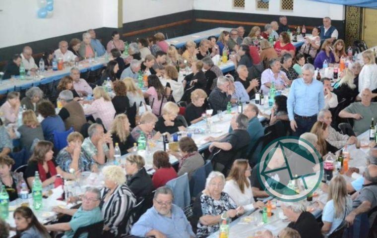 Cagliardi encabezó festejo por el Día del Jubilado 04