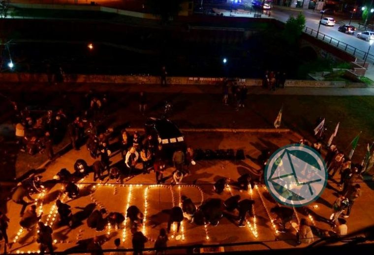 Se llevó la vigilia por el fallecimineto de Néstor Kirchner en Berisso 01