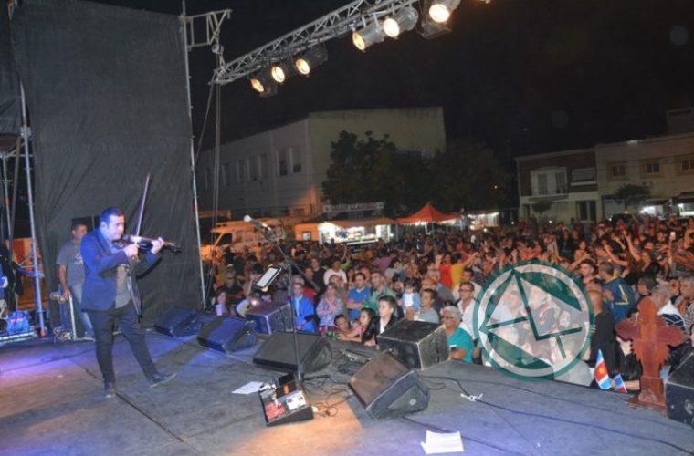 A toda música y baile se llevó adelante la 15° Fiesta del Provinciano en Berisso 16