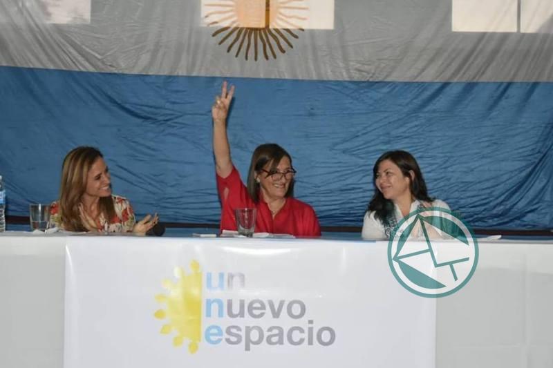 Adriana González encabezó mesa debate de mujeres dirigentes de la Región 2