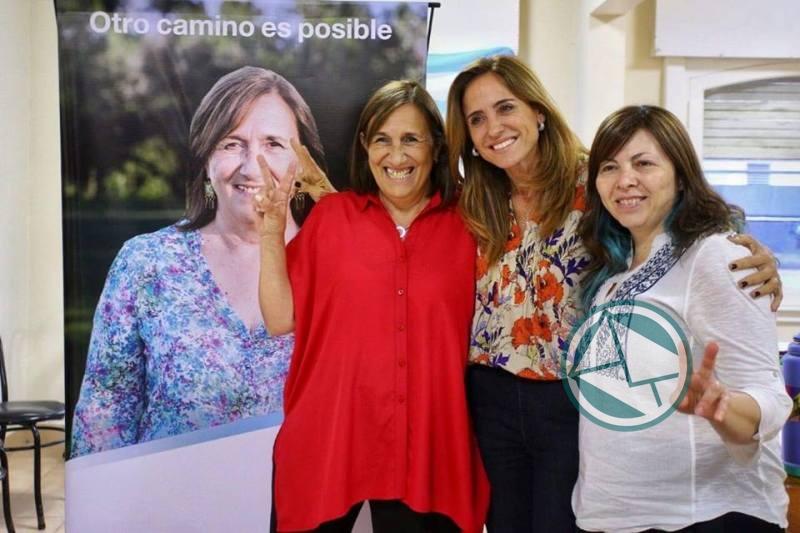 Adriana González encabezó mesa debate de mujeres dirigentes de la Región 3
