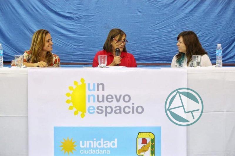 Adriana González encabezó mesa debate de mujeres dirigentes de la Región 4