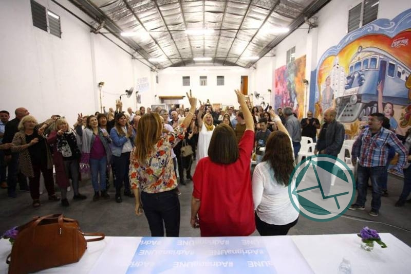 Adriana González encabezó mesa debate de mujeres dirigentes de la Región 8