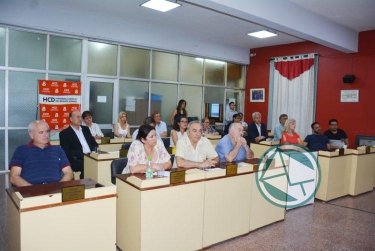 El Concejo de Berisso homenajeó al intendente y concejales electos en 1983 08
