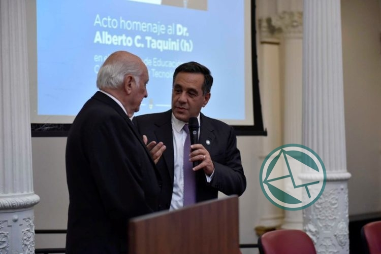 El Gobierno nacional homenajeó al Doctor Taquini 05