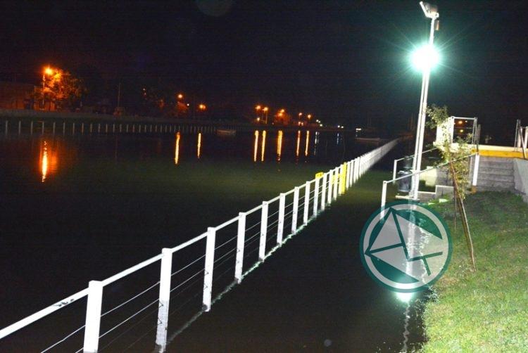 Operativo ante la crecida del Río de La Plata en la zona de Berisso 1