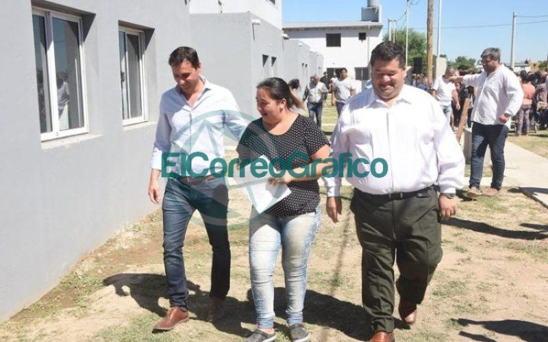 Las últimas 61 viviendas del Barrio Villa Progreso fueron entregadas 08