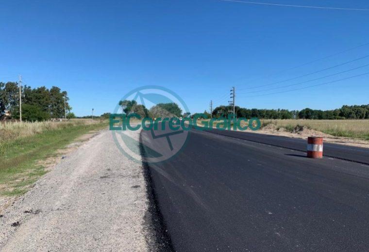 Avanzan los trabajos de repavimentación sobre la Ruta Provincial 11 02