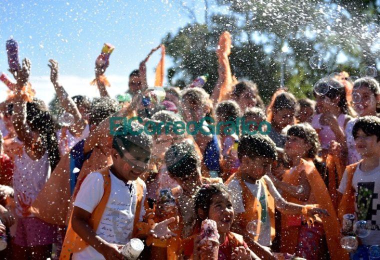 """Más de tres mil chicos disfrutaron de la colonia municipal de verano en """"La Repu"""" 02"""