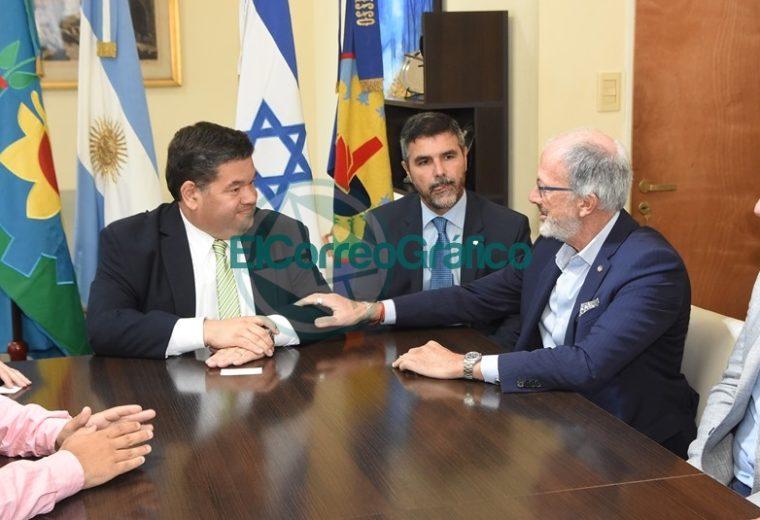 Nedela recibió al presidente de DAIA, Jorge Knoblkovits 2