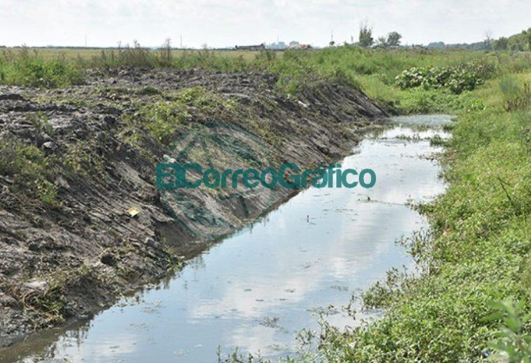 Perfilados de canales en bario El Carmen 01