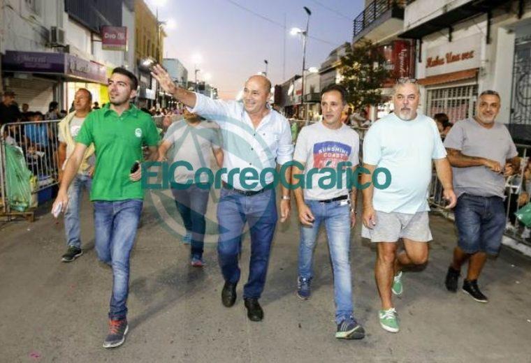 Con unos cientos de espectadores concluyó el Carnaval de la Región en Ensenada 02