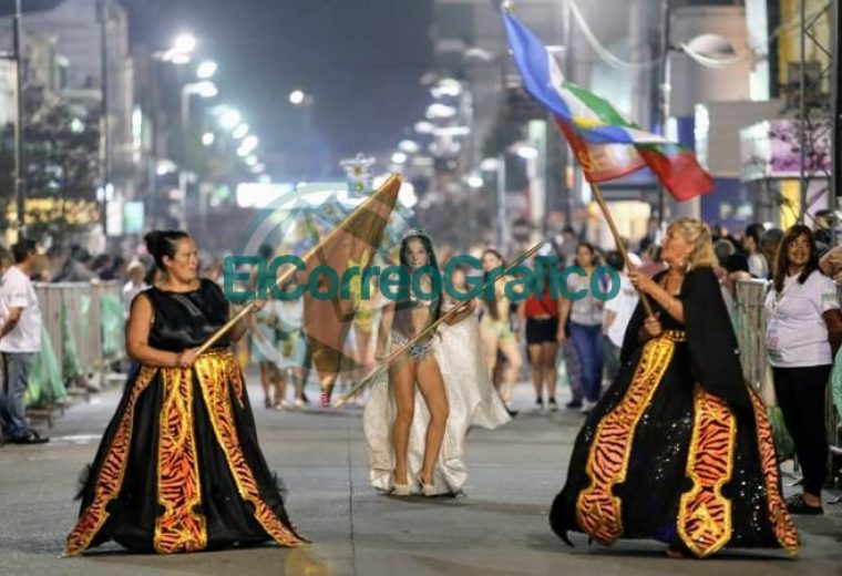 Con unos cientos de espectadores concluyó el Carnaval de la Región en Ensenada 03
