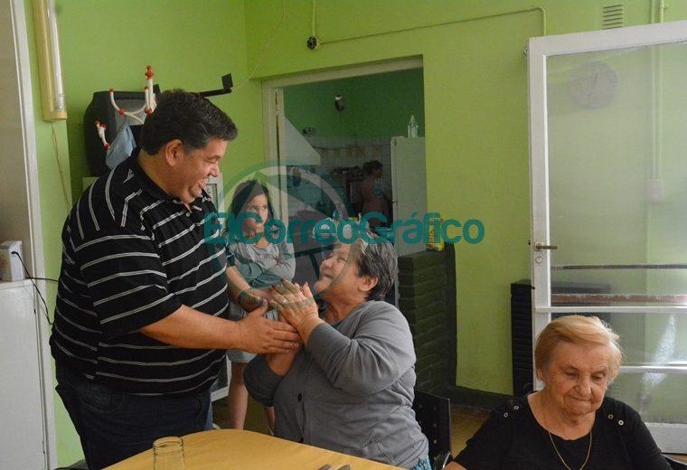 Nedela visitó Hogar Municipal Ancianos2