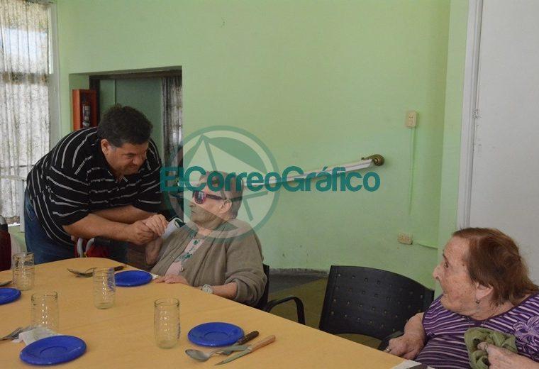 Nedela visitó Hogar Municipal Ancianos3