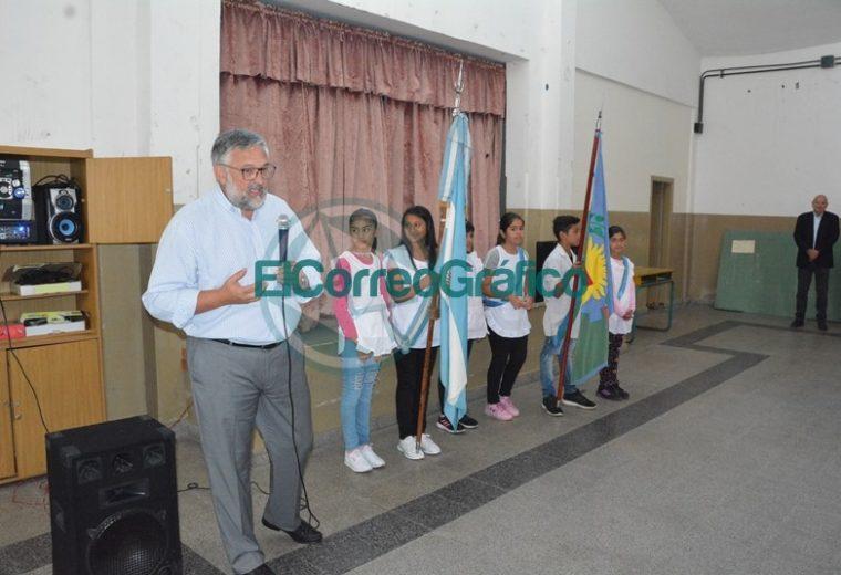 Nedela y el ministro bonaerense de Trabajo realizaron el acto de inicio del ciclo lectivo en Berisso 03
