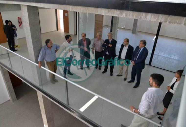 Recorrida Elustondo recorrió las instalaciones del centro interdisciplinario de investigaciones aplicadas del agua y ambiete 1