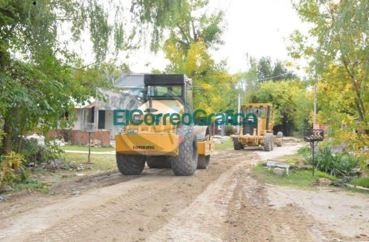 Trabajos de reparación de la calle 35 hacia el Monte en el barrio Villa Zula 03