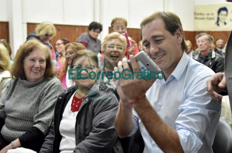 Entregarán más de 6.000 tablets a jubilados de La Plata 02