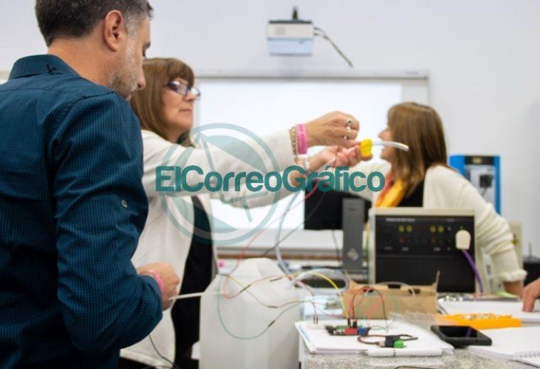 La Escuela Técnica se forma en Saberes Digitales 08