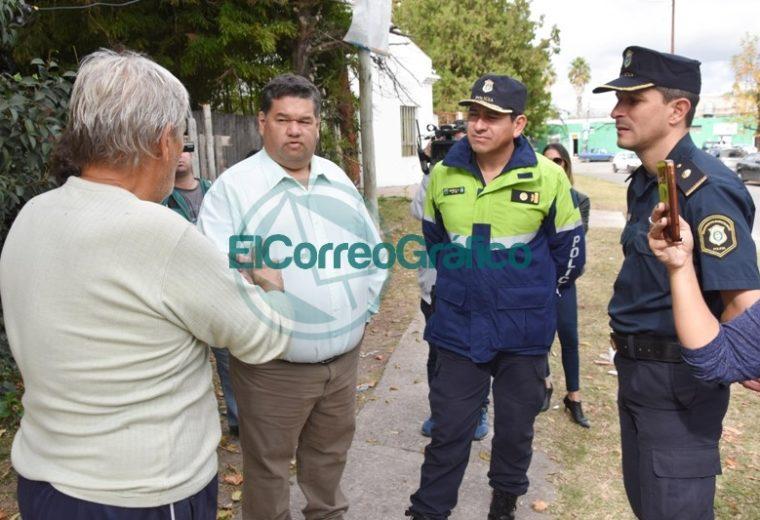 Nedela paseó por El Carmen junto a los comisarios locales 08