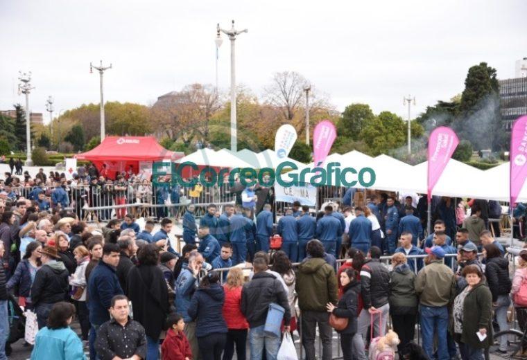 5 mil personas participaron del locro solidario a beneficio del Hospital San Martín 02