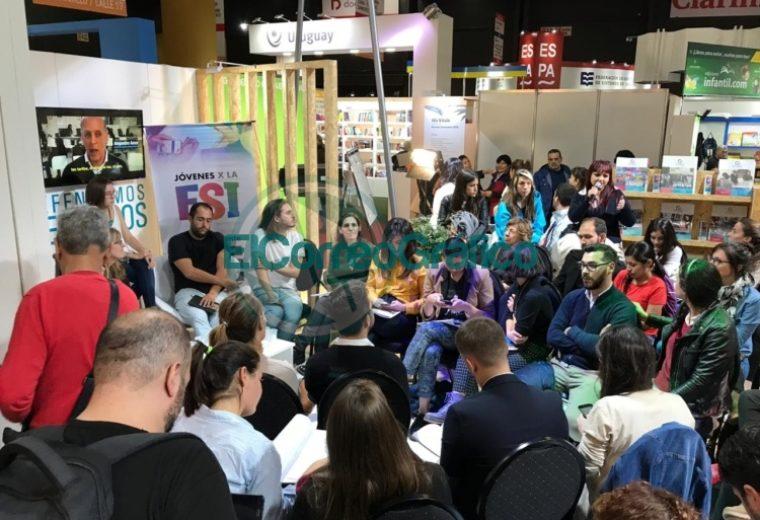 Cincotta se paseó por la Feria del Libro defendiendo la Educación Sexual Integral 3