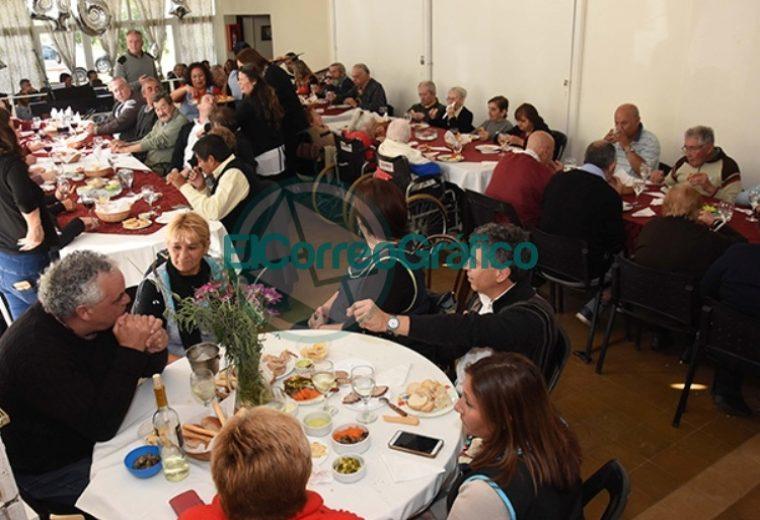 El Hogar de Ancianos de Berisso celebró sus 46 años 01