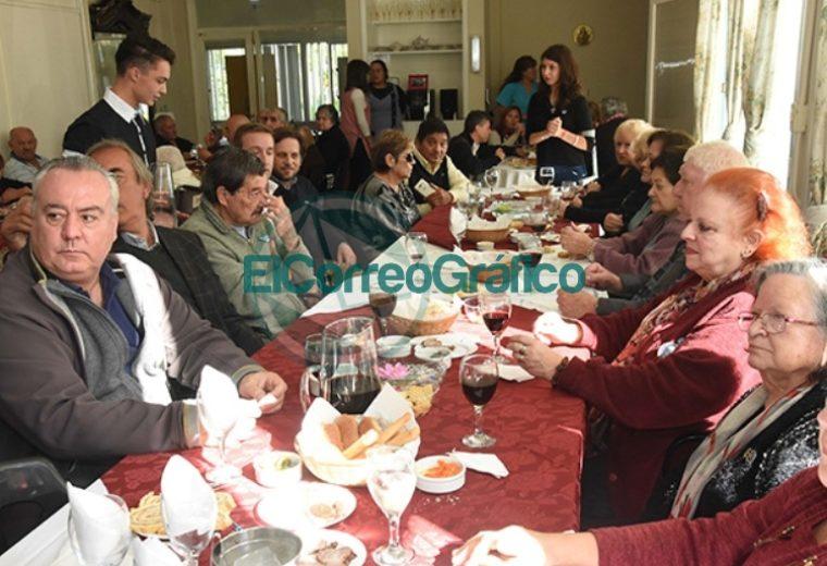 El Hogar de Ancianos de Berisso celebró sus 46 años 05
