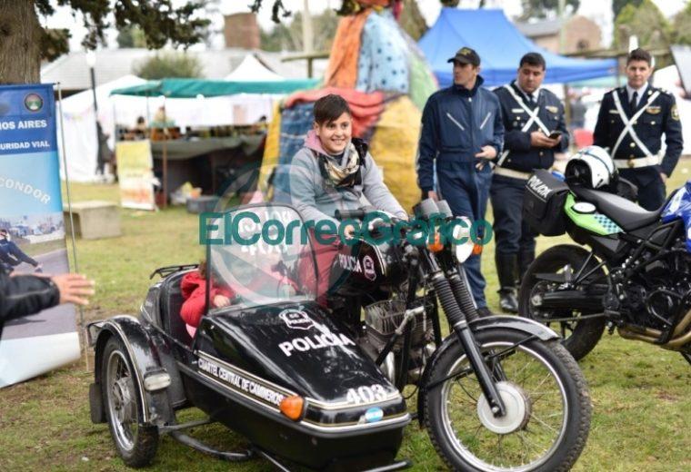 La Policía Bonaerense expone en el Parque Cívico 1