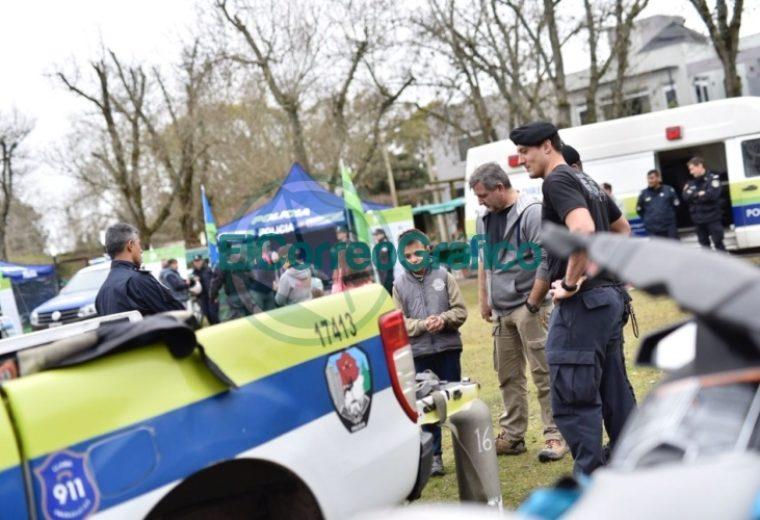 La Policía Bonaerense expone en el Parque Cívico 2